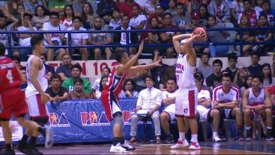 Photo of WATCH: Mark Caguioa makes a three-point pass!